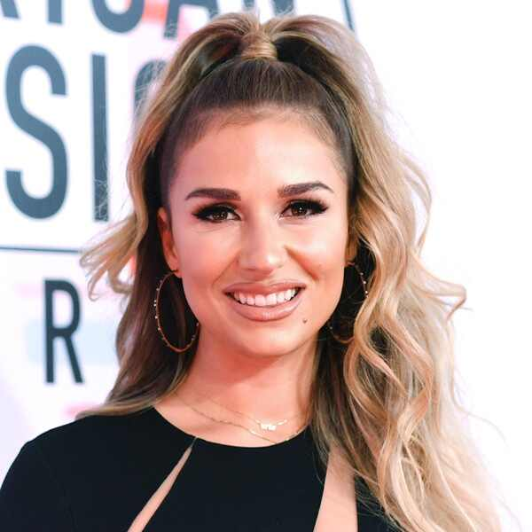 ESC: Jessie James Decker